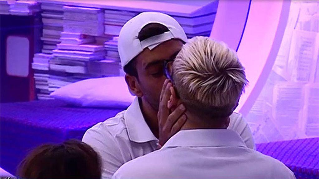 Susana tuvo que besar al vasco en el cuello