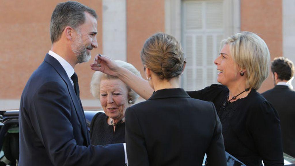 La reina Beatriz de Holanda y la princesa Petra Lorenza, junto a los reyes