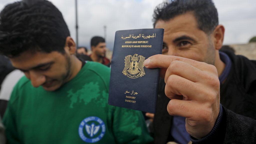 Refugiados sirios buscan llegar a Turquía a través de Grecia