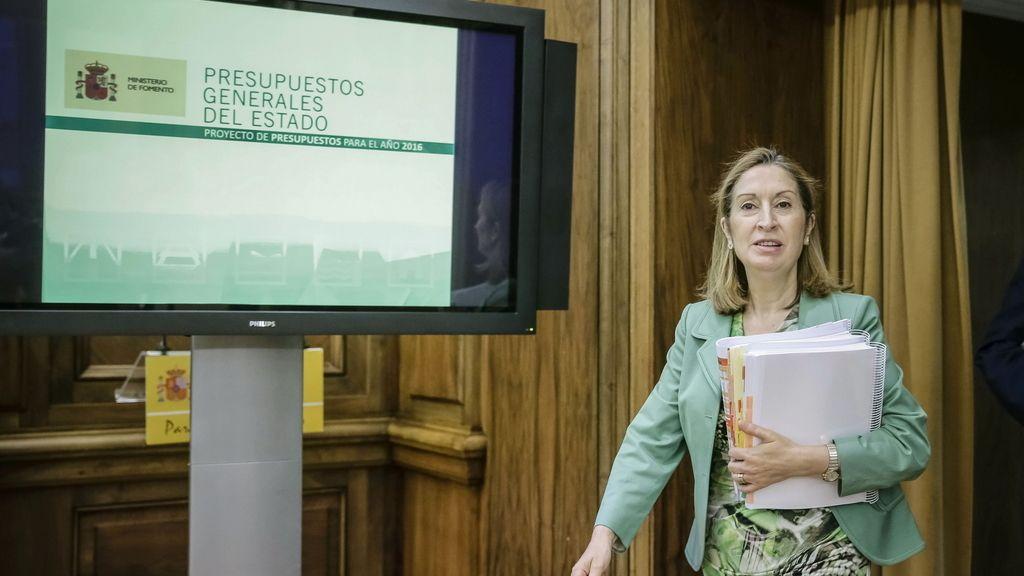 "Ana Pastor: ""Todo está garantizado para que el AVE llegue a Galicia en 2018"""