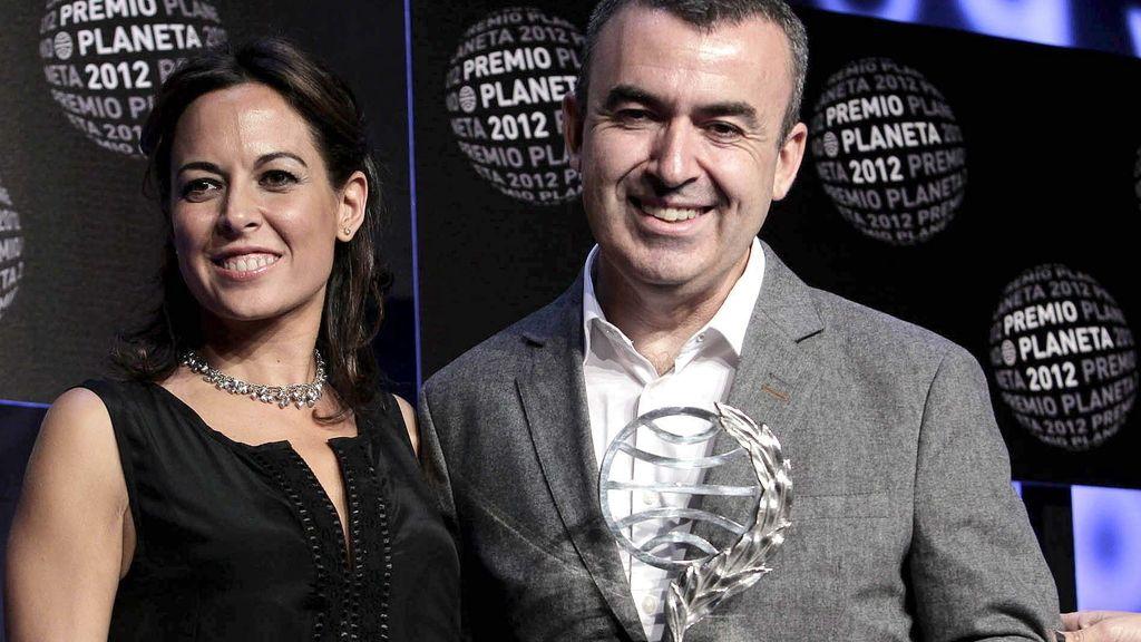 Mara Torres y Lorenzo Silva, finalista y ganador del permio Planeta