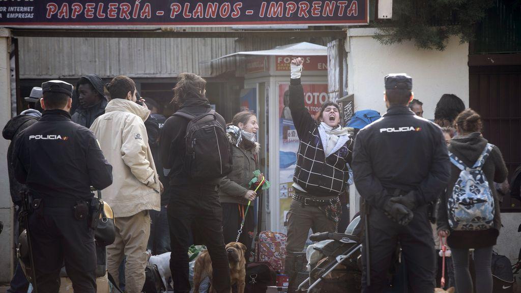 Detenidas 80 personas en el desalojo de El Johnny en Madrid, 'okupado' desde 2014
