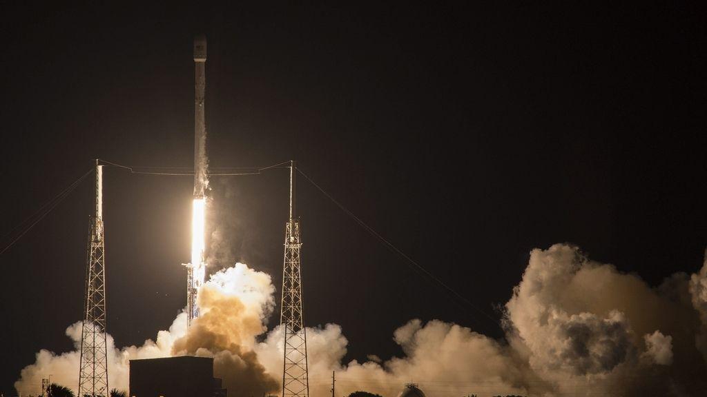 El Falcon 9, rumbo al espacio