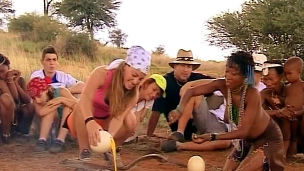 Es el turno de la resolución de los castigos: Ivonne tenía que hacer una gran tortilla con los huevos de avestruz que habían recogido
