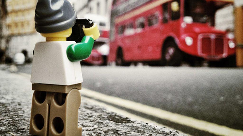 Las 'Legoaventuras' de un pequeño fotógrafo