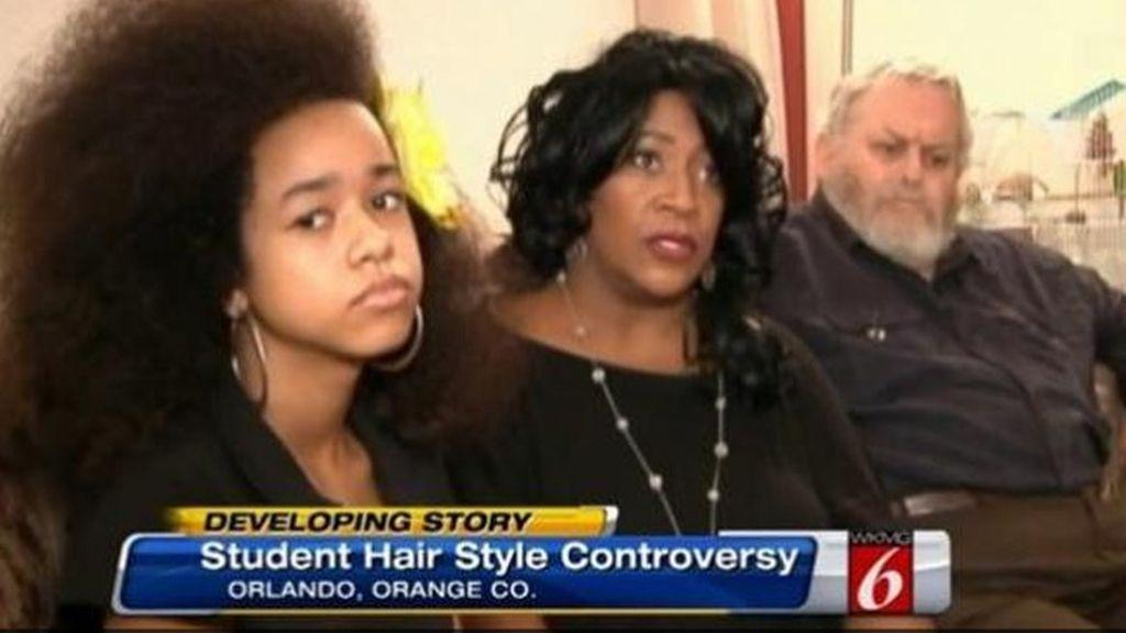 Por su pelo 'afro', expulsada del colegio