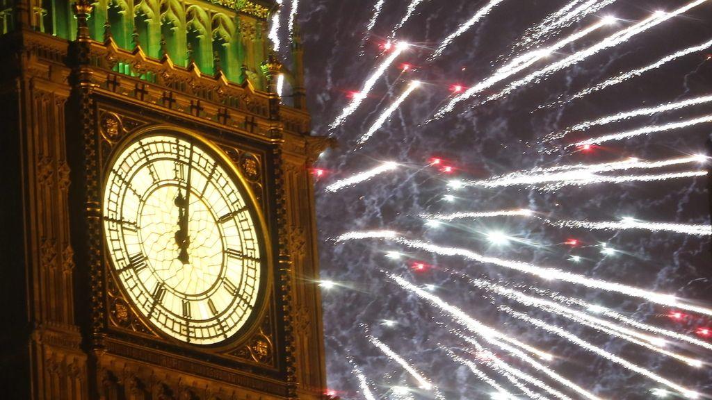 Espectáculo pirotécnico para recibir el 2014 en Londres