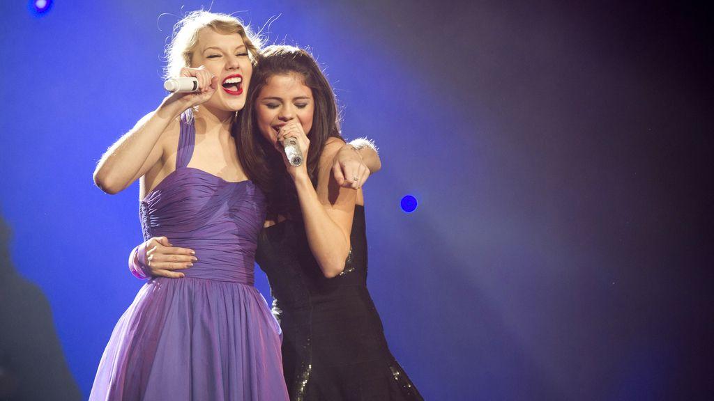 Taylor Swift busca nuevo novio para Selena Gómez