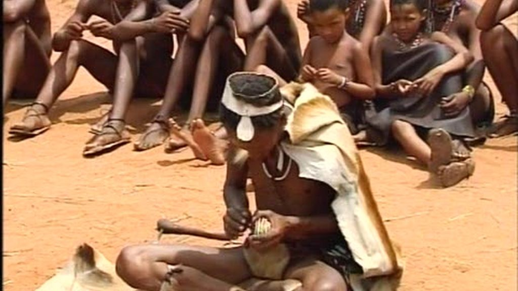 El oráculo dice que los Molina no son felices en la tribu