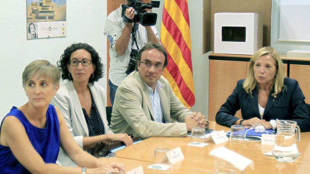 Vicepresidenta Ortega explica a los partidos proconsulta la logística de la consulta del 9N