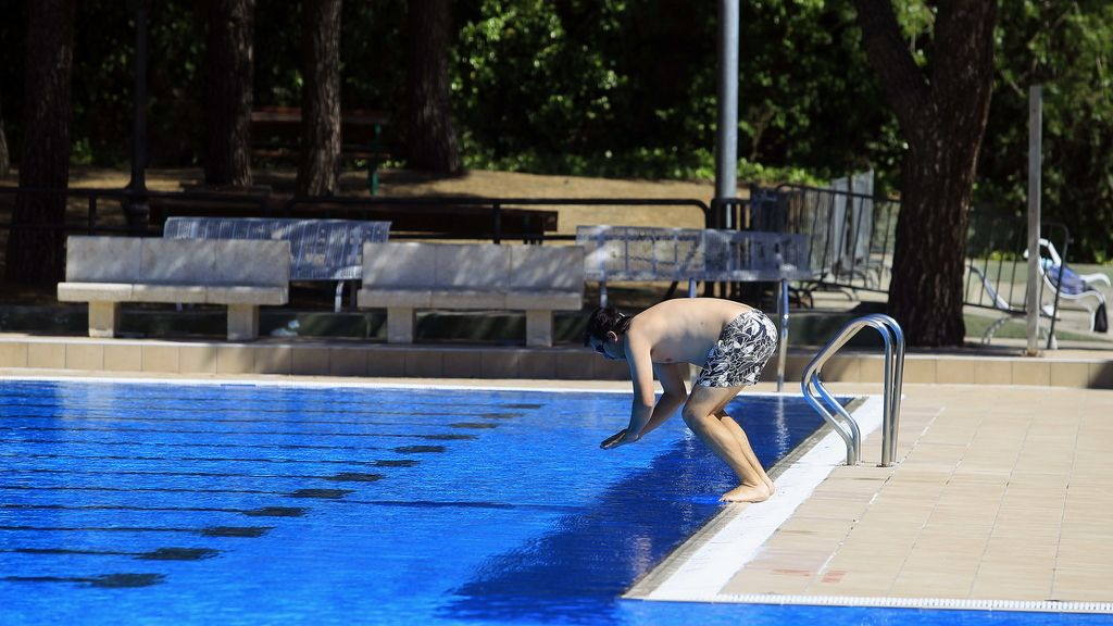 10 consejos para un ba o seguro for Descuidos en la piscina