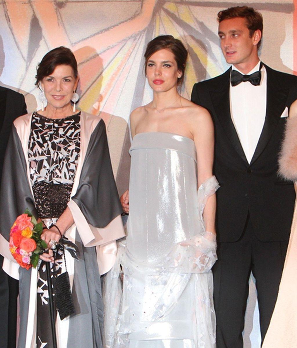 La Princesa Carolina con sus hijos, Carlota y Pierre
