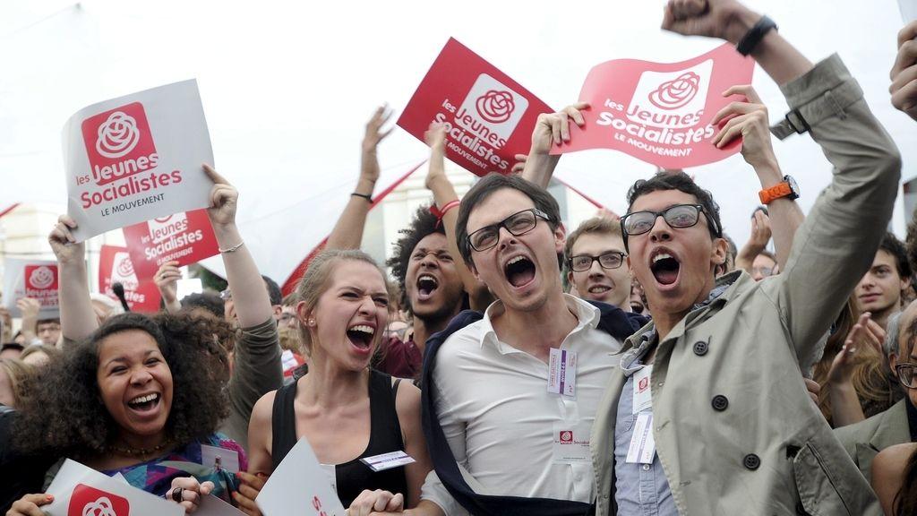 Simpatizantes socialistas celebran la victoria de François Hollande