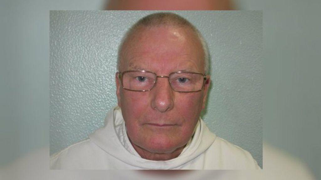 El sacerdote católico Philip Temple, de 66 años