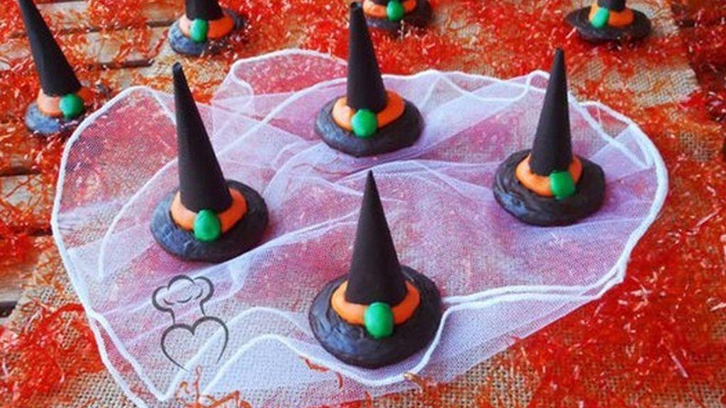 Gorros de bruja de chocolate