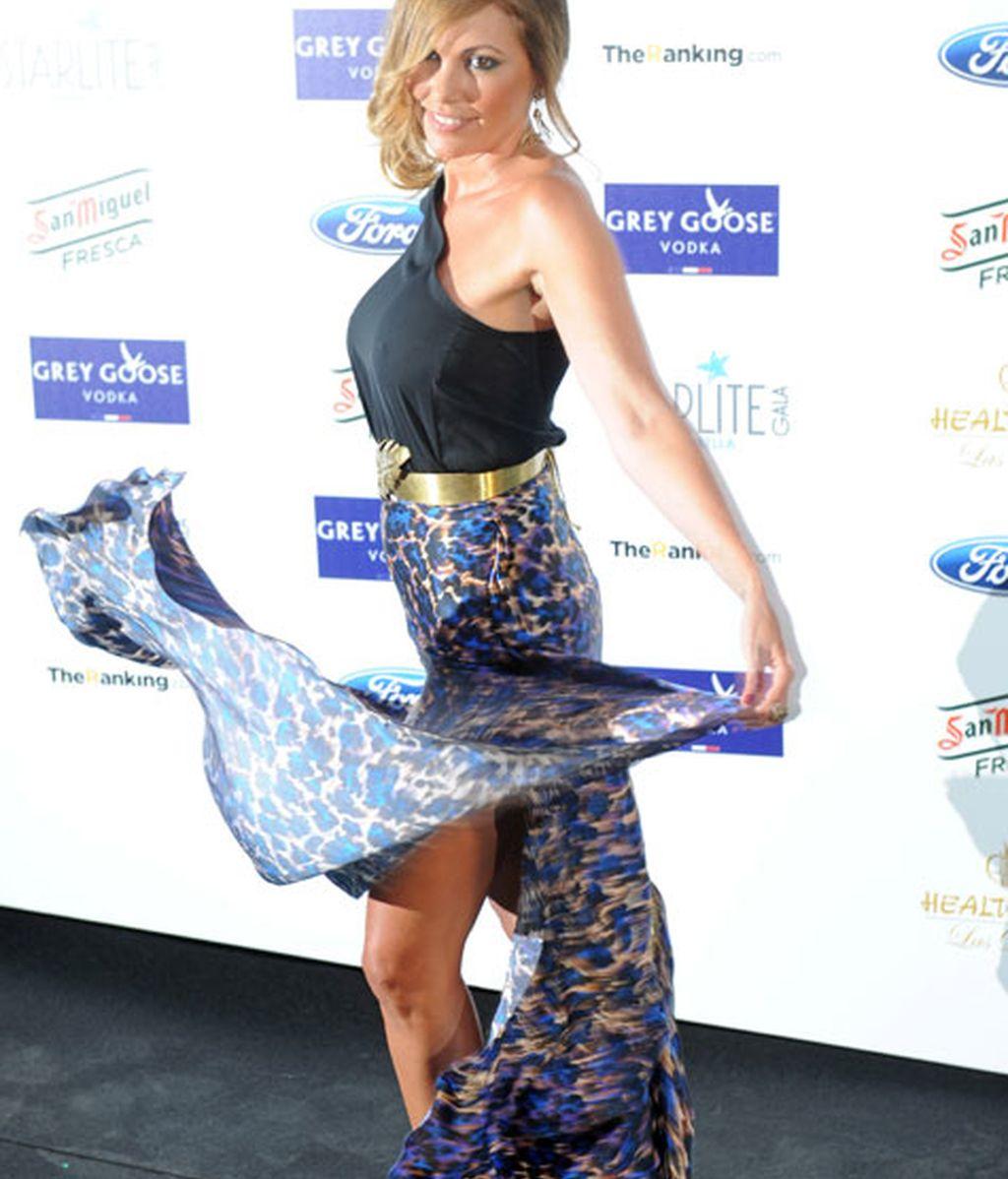 La modelo Raquel Rodríguez lució un vaporoso vestido