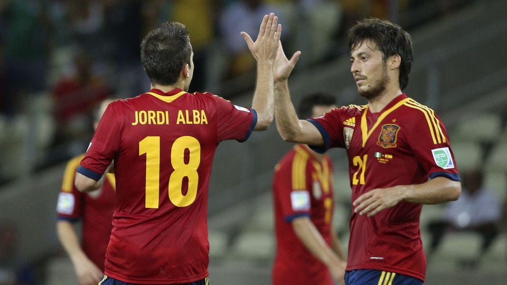 Silva felicita a Jordi Alba por su doblete contra Nigeria