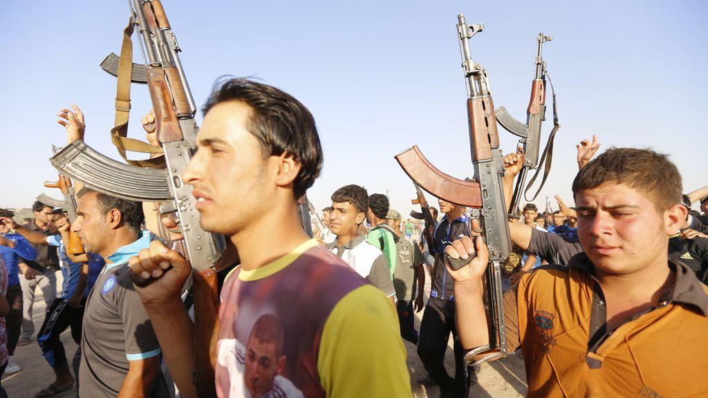 Decenas de voluntarios se unen al ejército iraquí
