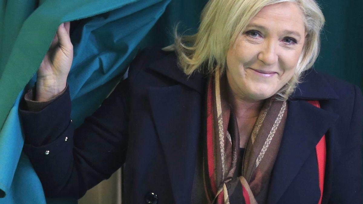 Le Pen votando