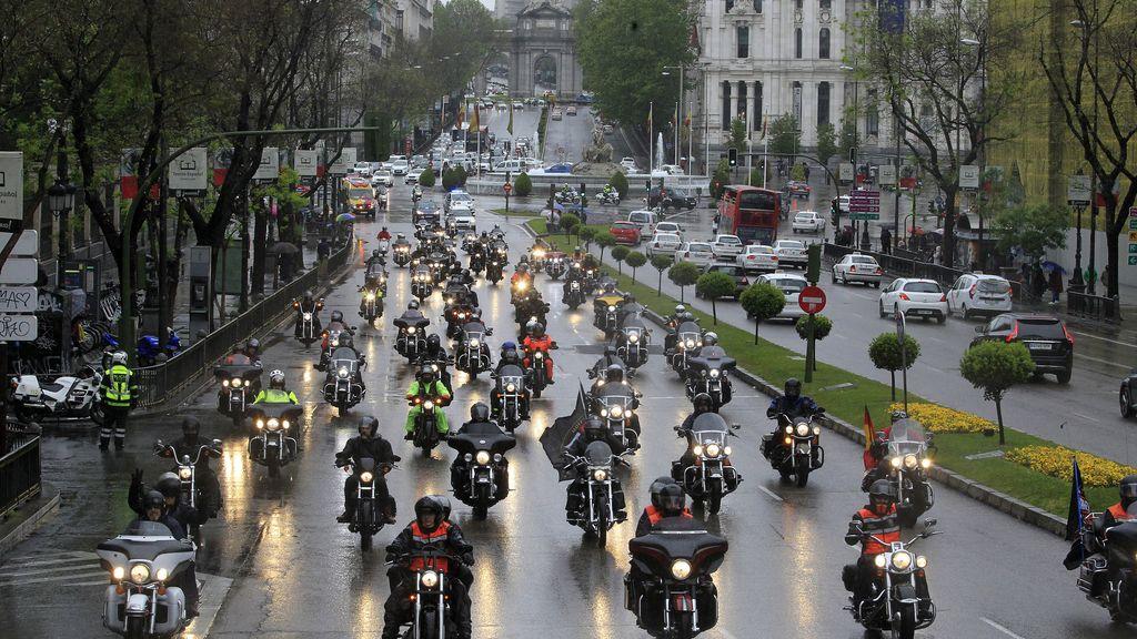 300 Harleys desfilan bajo la lluvia para despedir la 14ª concentración Harley-Davidson KM0
