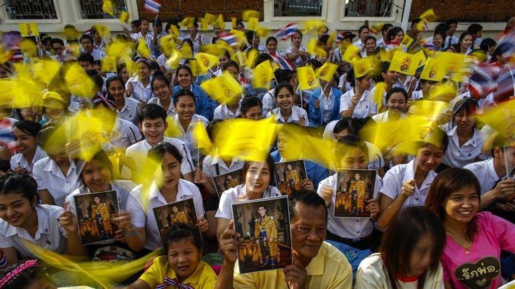 La primera ministra tailandesa, dispuesta a convocar elecciones