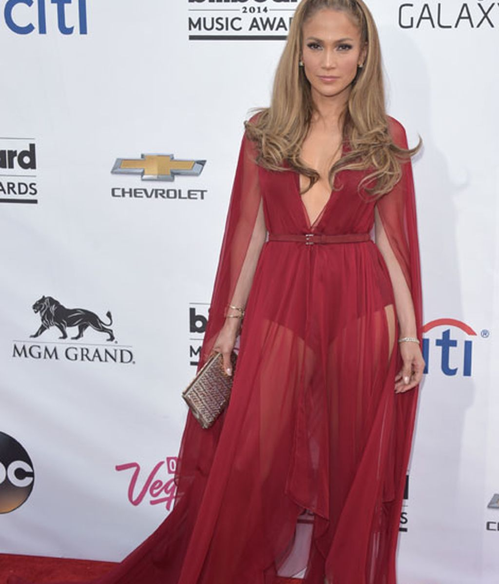 Jennifer Lopez con vestido de Donna Karan