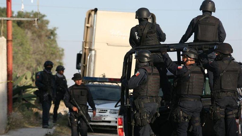 La policía mexicana acordona la zona donde encontró el camión con material radioactivo