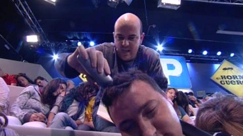 ¿Y si cuando te despiertas de tu FlashForward Jandro te ha rapado el pelo?