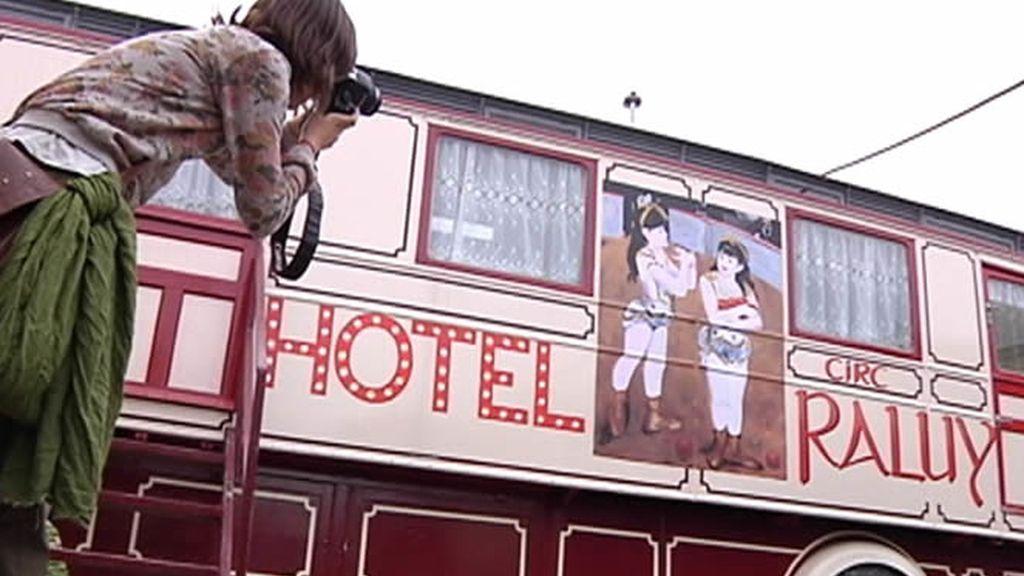 Carromato de circo convertido en curioso hotel