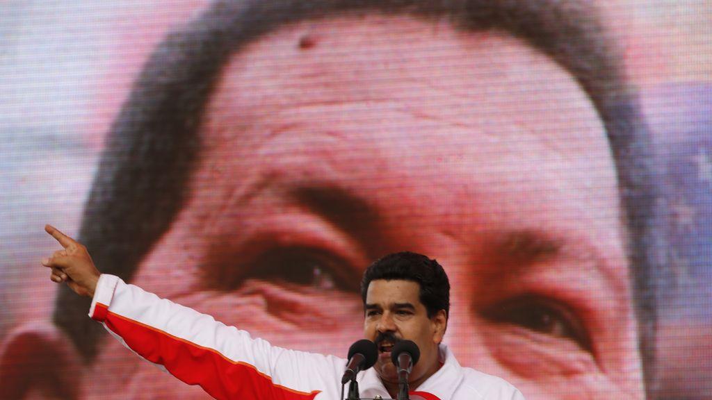 """Chávez se encuentra en """"una nueva fase de tratamientos"""", según Maduro"""