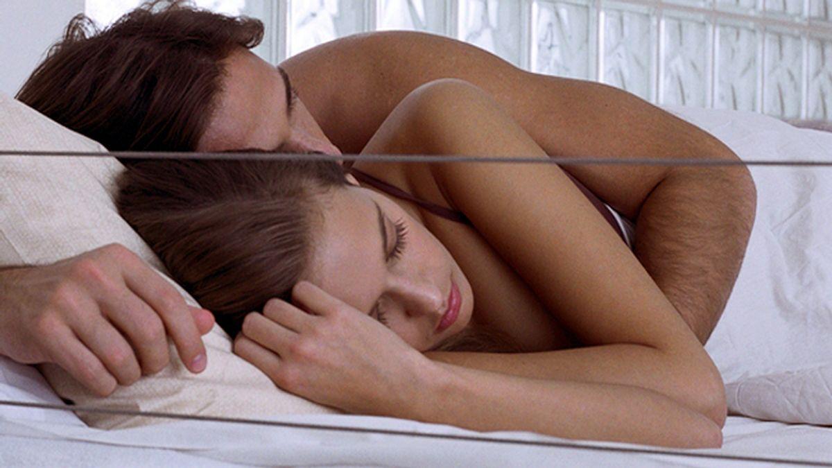 La forma de dormir con tu pareja indica la felicidad de la relación