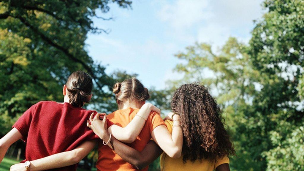 """Un trío de mujeres registra su unión estable en Brasil: """"Nos amamos"""""""