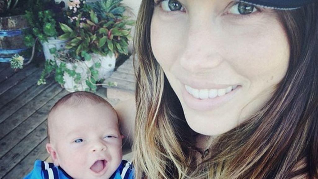 Jessica Biel con su hijo
