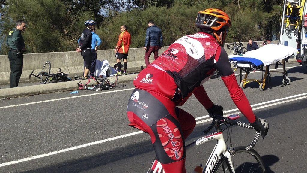 Un ciclista muerto y siete heridos en un atropello múltiple en A Guarda