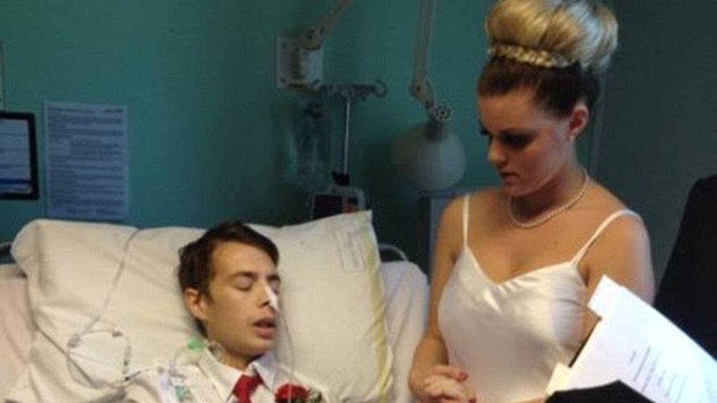 Se casan en el hospital antes de morir de cáncer de estómago en Londres