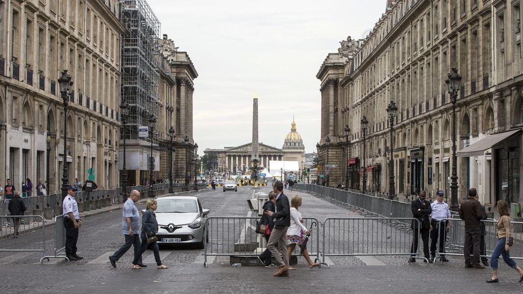 La Policía dispara a un conductor en París al saltarse las barreras del Tour de Francia