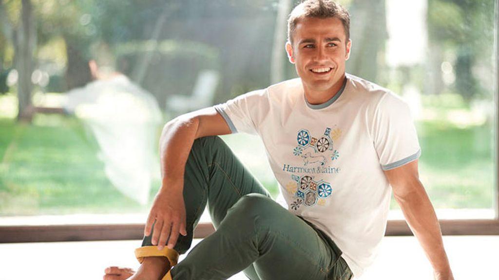 Cannavaro vuelve a ejercer de modelo