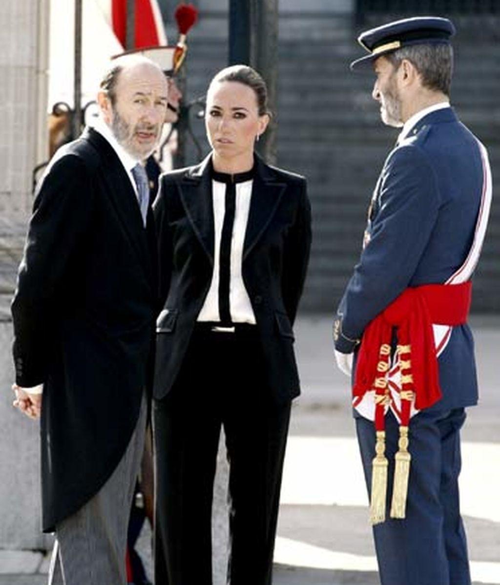La ministra de Defensa, Carme Chacón, junto al ministro del Interior, Alfredo Pérez Rubalcaba, y el jefe del Estado Mayor de la Defensa, José Julio Rodríguez. Foto: EFE.
