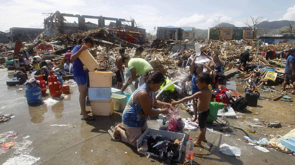 Más de 10.000 muertos por el tifón ' 'Haiyán'' en Filipinas