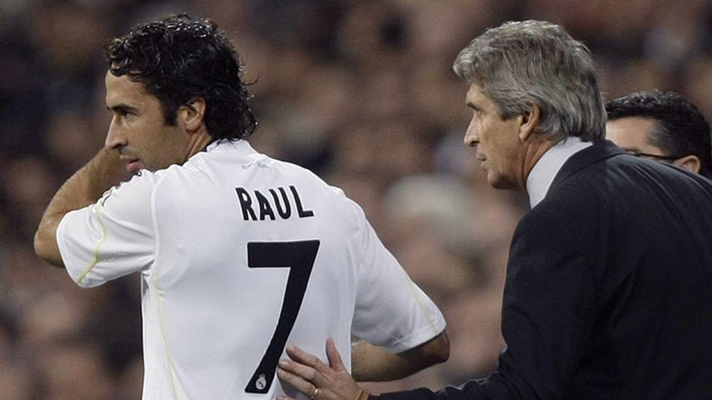 Raúl, con oportunidades de volver al once titular
