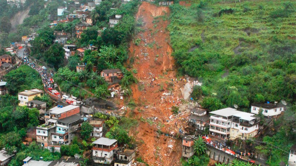 Fuertes inundaciones en Rio de Janeiro