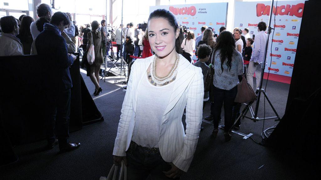 Eva Marciel, muy guapa con chaqueta de Armani