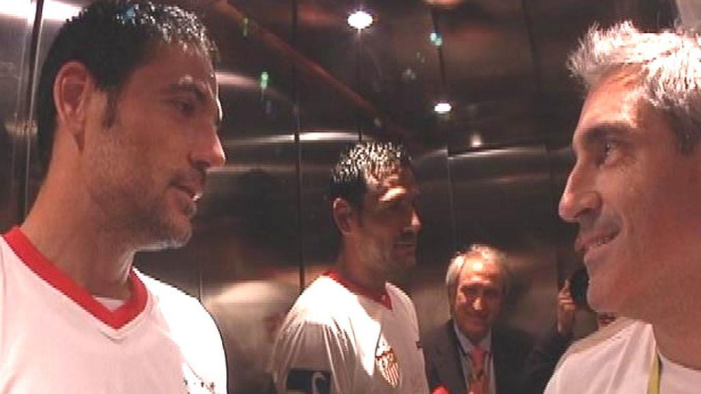 Jon Sistiaga y Palop en el ascensor, justo antes de recoger la copa de manos de su majestad el Rey Don Juan Carlos