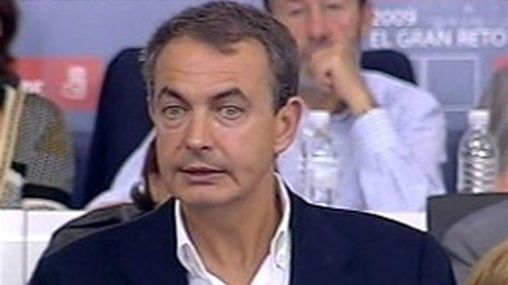 Zapatero durante el Comité Federal
