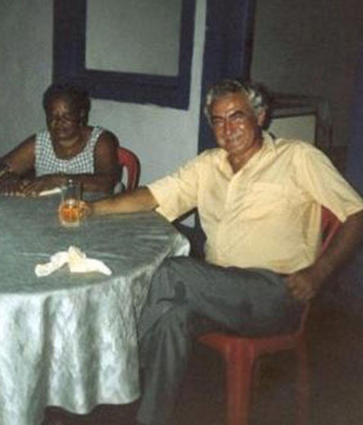 Imagen tomada en Cogo (Guinea Ecuatorial), cedida por la Asociación Africanista Manuel Iradier, del médico español Mario Sarsa, que fue secuestrado por un grupo tribal armado en Congo. EFE/Asociación Africanista Manuel Iradier