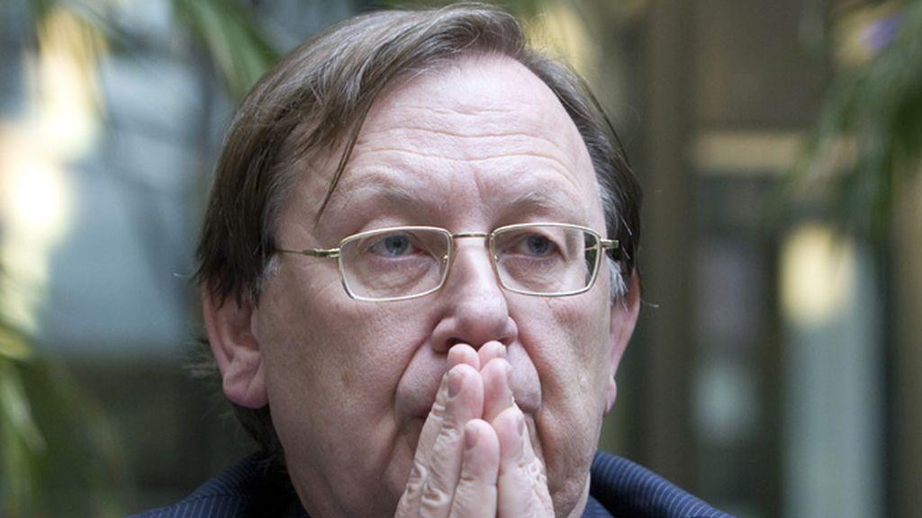 El presidente del Banco central holandés explica, preocupado, la situación de DSB