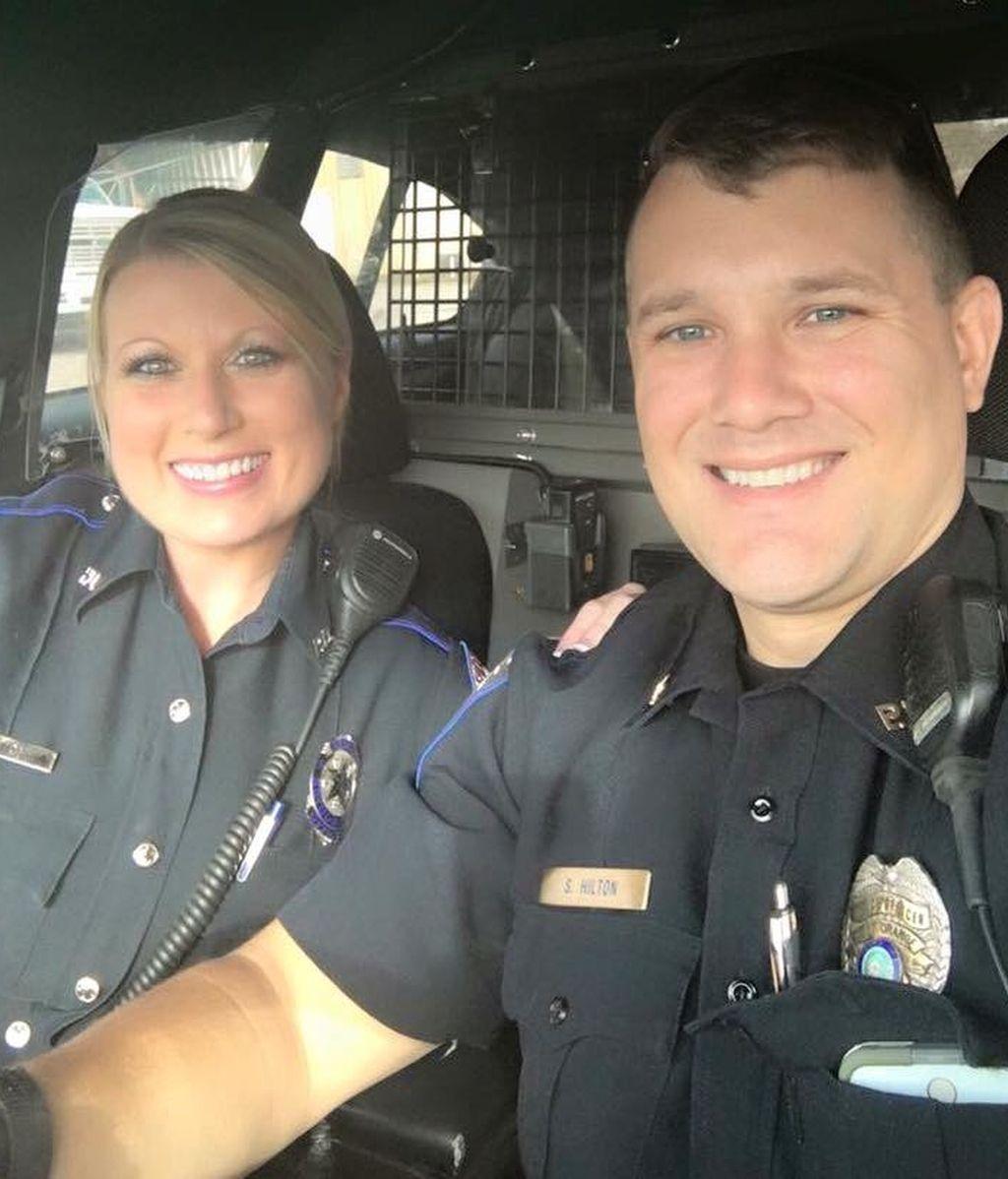 La pareja de policías