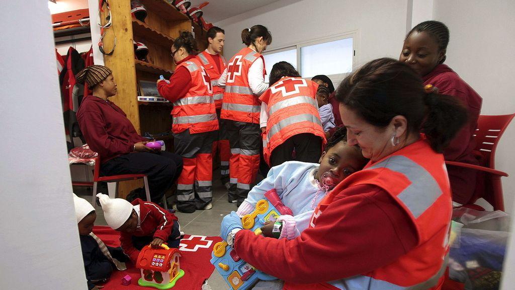 Interceptadas tres pateras con 45 inmigrantes, entre ellos cinco bebés, al sur de Tarifa (Cádiz)