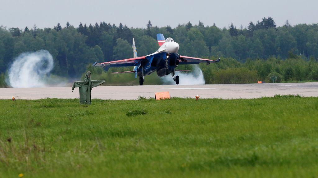 El Sukhoi Su-27 despega