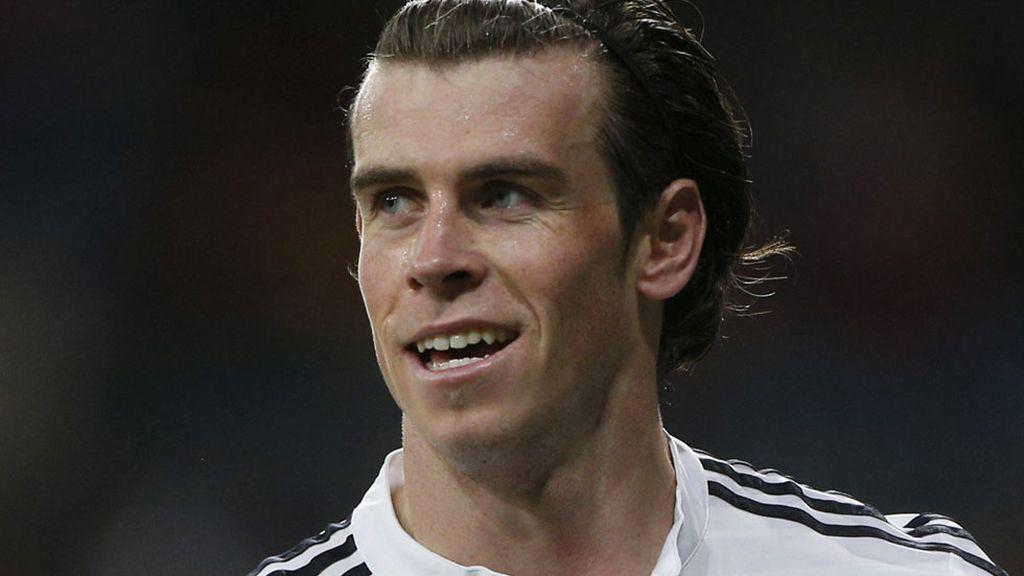 Gareth Bale marcó de cabeza a la salida de un córner